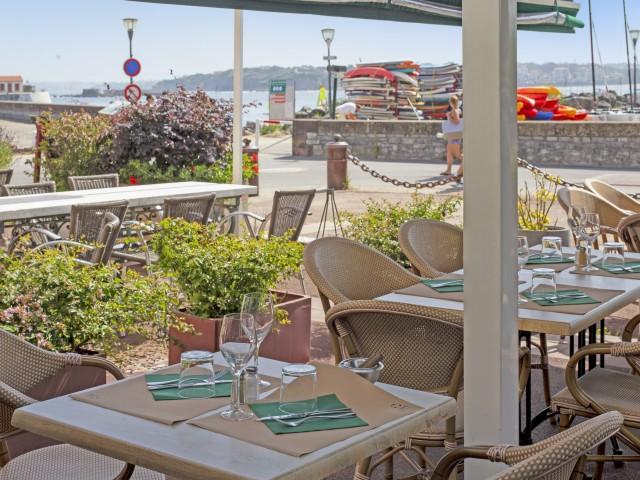 ARRAINA - La Table Marine Vue Terrasse ARRAINA La Table Marine